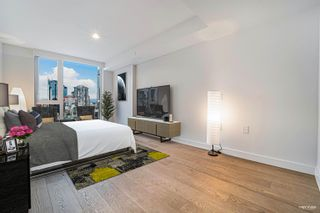 """Photo 10: 2210 1111 RICHARDS Street in Vancouver: Downtown VW Condo for sale in """"8X ON THE PARK"""" (Vancouver West)  : MLS®# R2620685"""