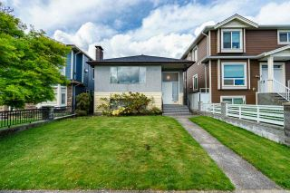 Photo 1: 319 E 50TH Avenue in Vancouver: South Vancouver House for sale (Vancouver East)  : MLS®# R2575272