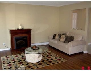 Photo 4: 2 33900 MAYFAIR Avenue in Abbotsford: Central Abbotsford Townhouse for sale : MLS®# F2822047