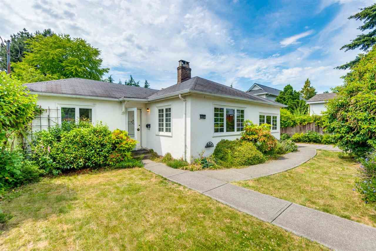 """Main Photo: 334 OLIVER Street in New Westminster: Queens Park House for sale in """"Queens Park"""" : MLS®# R2589086"""