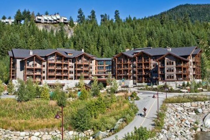 "Main Photo: 108D 2020 LONDON Lane in Whistler: Whistler Creek Condo for sale in ""Evolution"" : MLS®# R2517433"