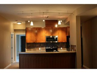 Photo 3: 3205 24 HEMLOCK Crescent SW in CALGARY: Spruce Cliff Condo for sale (Calgary)  : MLS®# C3554343