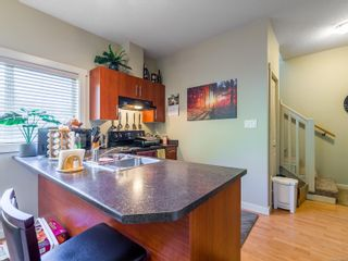 Photo 9: 104 584 Rosehill St in Nanaimo: Na Central Nanaimo Row/Townhouse for sale : MLS®# 886756