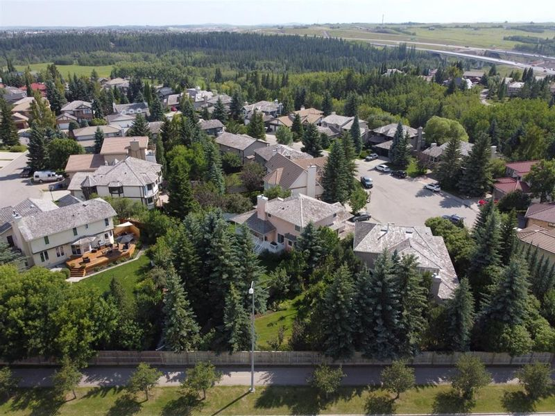 FEATURED LISTING: 228 WOODHAVEN Bay Southwest Calgary
