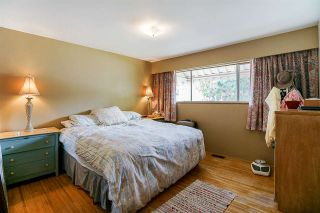 """Photo 8: 5815 BURNS Place in Burnaby: Upper Deer Lake House for sale in """"Upper Dear Lake"""" (Burnaby South)  : MLS®# R2208799"""