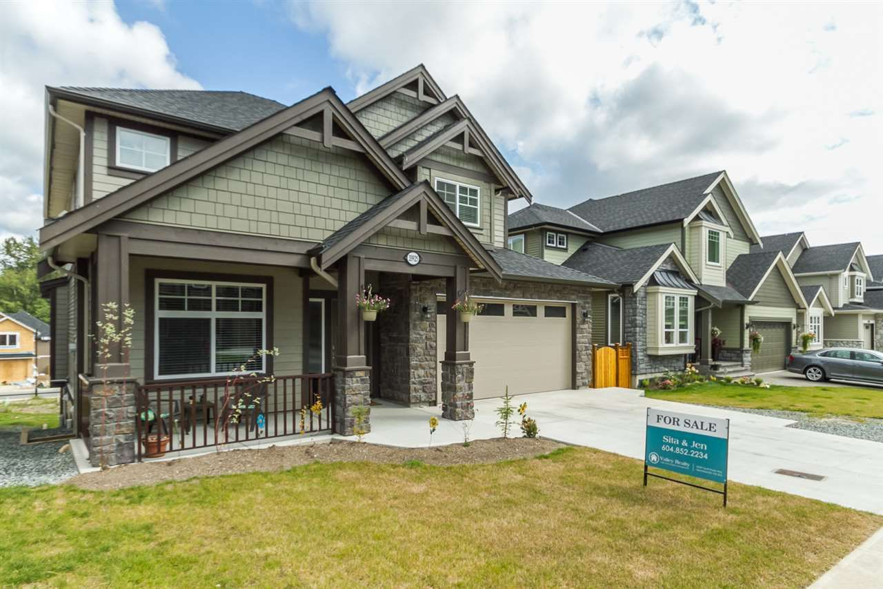 Photo 2: Photos: 33925 MCPHEE Place in Mission: Mission BC House for sale : MLS®# R2519119