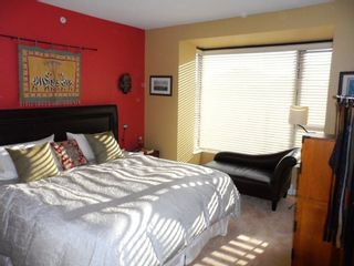 """Photo 10: # 6 - 11 E. Royal Avenue in New Westminster: Fraserview NW Townhouse for sale in """"VICTORIA HILL"""" : MLS®# R2033791"""