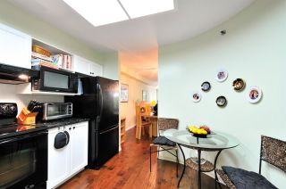 """Photo 5: 303 6737 STATION HILL Court in Burnaby: South Slope Condo for sale in """"THE COURTYARDS"""" (Burnaby South)  : MLS®# R2077188"""