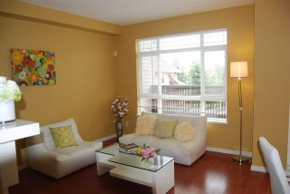 Photo 1: 18 15 FOREST PARK WAY in Port Moody: Heritage Woods PM Townhouse for sale : MLS®# R2065460