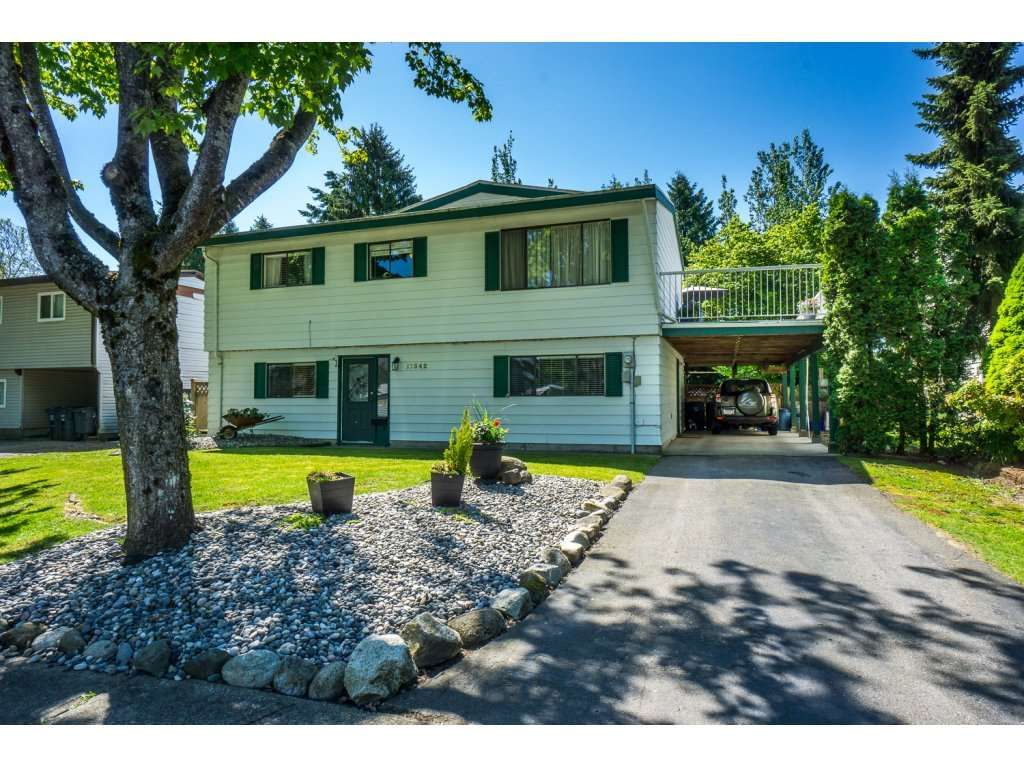Main Photo: 17342 62A AVENUE in : Cloverdale BC House for sale : MLS®# R2168686