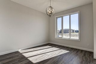 Photo 18: 136 Creekside Drive SW in Calgary: C-168 Semi Detached for sale : MLS®# A1108851
