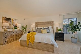 Photo 23: LA JOLLA House for sale : 4 bedrooms : 5901 Avenida Chamnez
