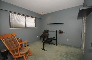 """Photo 18: 10351 HOGARTH Place in Richmond: Woodwards House for sale in """"WOODWARDS"""" : MLS®# V881151"""