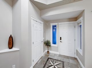 Photo 2: 30 Springborough Crescent SW in Calgary: Springbank Hill Detached for sale : MLS®# A1070980