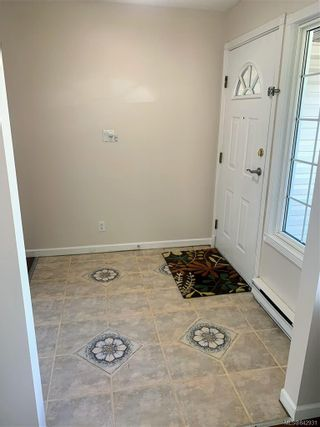 Photo 16: 2147 Weiler Ave in Sidney: Si Sidney South-West Half Duplex for sale : MLS®# 842931
