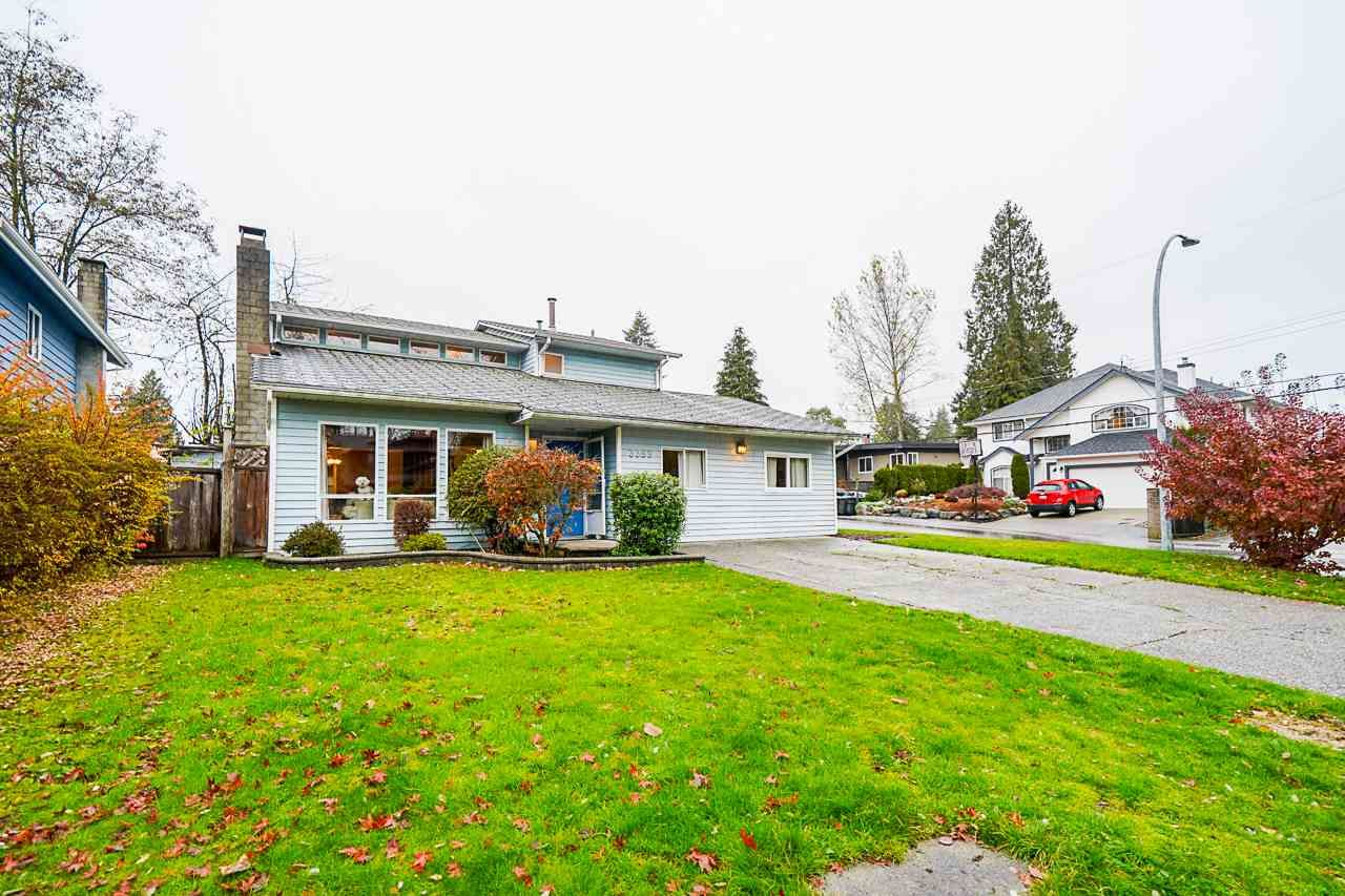Main Photo: 3369 OSBORNE Street in Port Coquitlam: Woodland Acres PQ House for sale : MLS®# R2528437