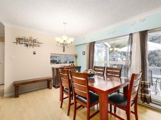 "Photo 7: 4 9151 FOREST GROVE Drive in Burnaby: Forest Hills BN Townhouse for sale in ""ROSSMOOR"" (Burnaby North)  : MLS®# R2499392"