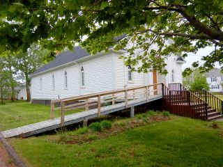 Photo 2: 44 Russell Street in Pugwash: 102N-North Of Hwy 104 Residential for sale (Northern Region)  : MLS®# 202011428