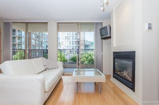 """Photo 4: 603 969 RICHARDS Street in Vancouver: Downtown VW Condo for sale in """"Mondrian"""" (Vancouver West)  : MLS®# R2074580"""