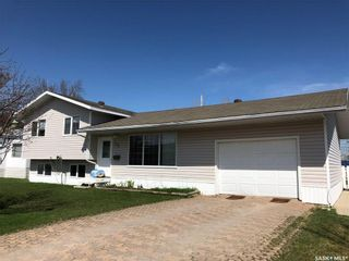 Photo 2: 504 Simpson Crescent in Hudson Bay: Residential for sale : MLS®# SK807929