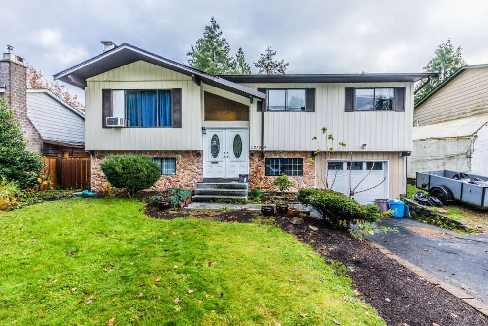 Main Photo: 12104 GEE Street in Maple Ridge: East Central House for sale : MLS®# R2324357