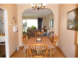 Photo 3: 375 PARKVIEW ST in WINNIPEG: St James Residential for sale (West Winnipeg)  : MLS®# 2919832