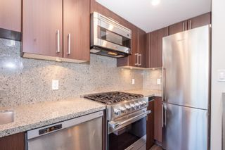 """Photo 9: 557 108 W 1ST Avenue in Vancouver: False Creek Condo for sale in """"WALL CENTRE"""" (Vancouver West)  : MLS®# R2614922"""