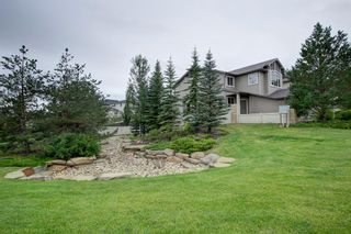 Photo 2: 13 everbrook Drive SW in Calgary: Evergreen Detached for sale : MLS®# A1137453