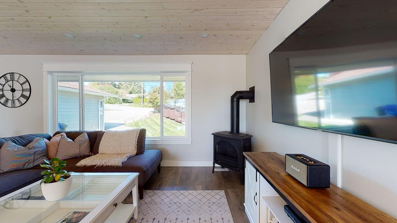 Photo 18: Photos: 5472 CARNABY Place in Sechelt: Sechelt District House for sale (Sunshine Coast)  : MLS®# R2495555