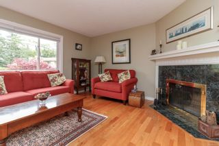 Photo 5: 1270 Persimmon Close in : SE Cedar Hill House for sale (Saanich East)  : MLS®# 874453