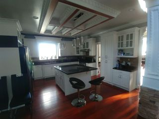 Photo 4: 7778 168 Street in Surrey: Fleetwood Tynehead House for sale : MLS®# R2570587
