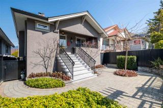 Photo 1: 2553 DUNDAS Street in Vancouver: Hastings Sunrise House for sale (Vancouver East)  : MLS®# R2559964
