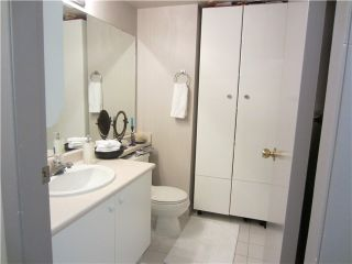 """Photo 9: # 1807 1188 HOWE ST in Vancouver: Downtown VW Condo for sale in """"1188 HOWE"""" (Vancouver West)  : MLS®# V937383"""