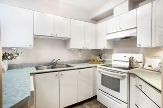 """Photo 10: 106 150 W 22ND Street in North Vancouver: Central Lonsdale Condo for sale in """"The Sierra"""" : MLS®# R2418794"""