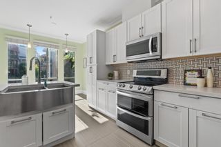 """Photo 13: 207 5 RENAISSANCE Square in New Westminster: Quay Townhouse for sale in """"THE LIDO"""" : MLS®# R2617609"""