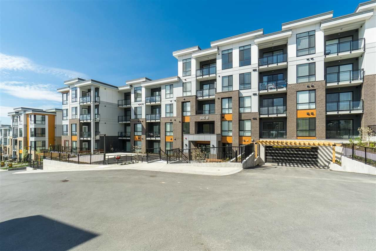 """Main Photo: B104 20087 68 Avenue in Langley: Willoughby Heights Condo for sale in """"PARK HILL"""" : MLS®# R2499687"""