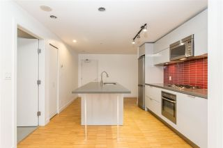 """Photo 13: 2002 108 W CORDOVA Street in Vancouver: Downtown VW Condo for sale in """"Woodwards"""" (Vancouver West)  : MLS®# R2525607"""