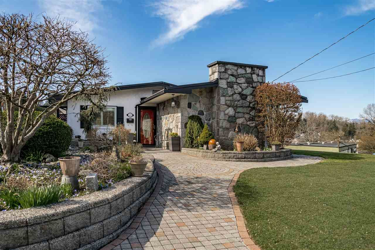 """Main Photo: 517 FADER Street in New Westminster: Sapperton House for sale in """"HUME PARK"""" : MLS®# R2447033"""