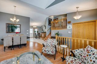 Photo 8: 127 Wood Valley Drive SW in Calgary: Woodbine Detached for sale : MLS®# A1062354