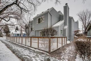 Photo 1: 5 127 11 Avenue NE in Calgary: Crescent Heights Row/Townhouse for sale : MLS®# A1063443