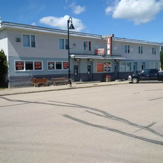 Photo 1: 5116 50 Street: Evansburg Business with Property for sale : MLS®# E4208094