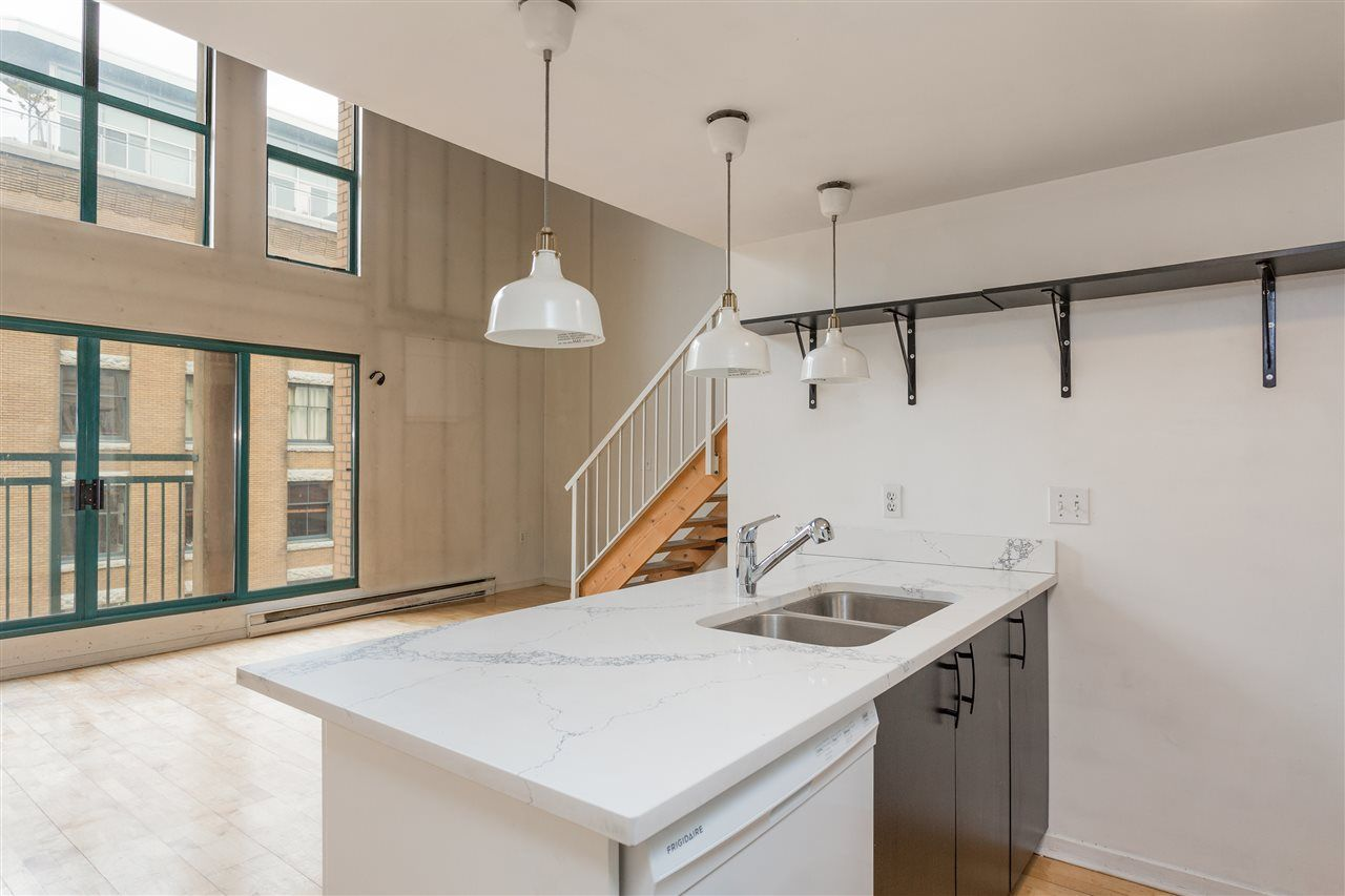 """Photo 7: Photos: 411 22 E CORDOVA Street in Vancouver: Downtown VE Condo for sale in """"Van Horne"""" (Vancouver East)  : MLS®# R2547163"""