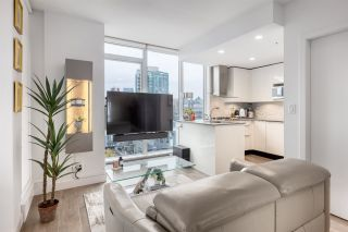 """Photo 3: 2002 1283 HOWE Street in Vancouver: Downtown VW Condo for sale in """"Tate Downtown"""" (Vancouver West)  : MLS®# R2562552"""