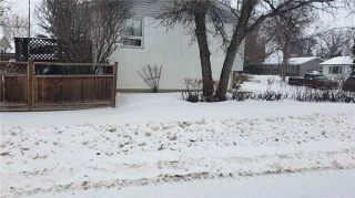 Photo 3: 2 Russenholt Street in Winnipeg: Crestview Residential for sale (5H)  : MLS®# 1903457