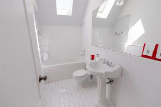 """Photo 32: 715 FOURTH Street in New Westminster: GlenBrooke North House for sale in """"Glenbrooke North"""" : MLS®# R2492416"""