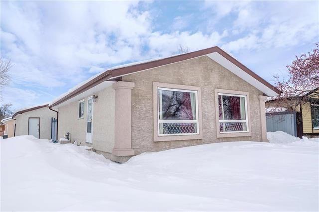 Main Photo: 2 Pirson Crescent in Winnipeg: Grandmont Park Residential for sale (1Q)  : MLS®# 1905177