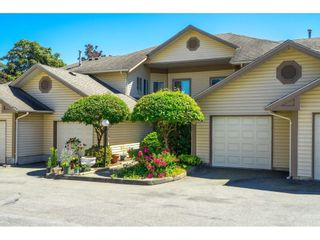 """Photo 2: 31 6140 192 Street in Surrey: Cloverdale BC Townhouse for sale in """"The Estates at Manor Ridge"""" (Cloverdale)  : MLS®# R2594172"""