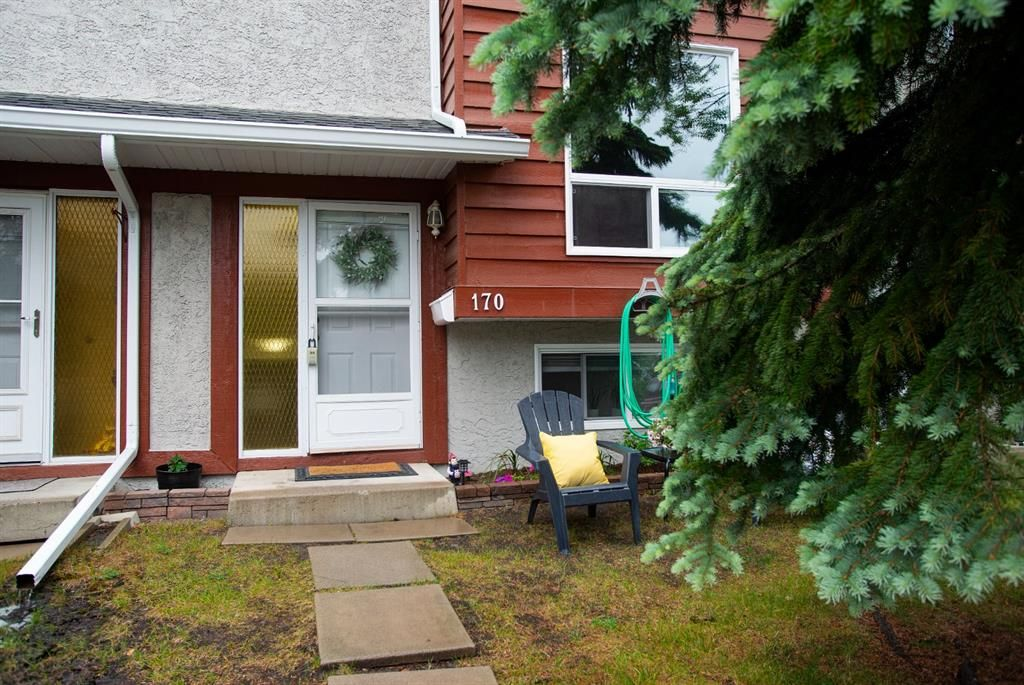Main Photo: 170 6915 Ranchview Drive NW in Calgary: Ranchlands Row/Townhouse for sale : MLS®# A1121774