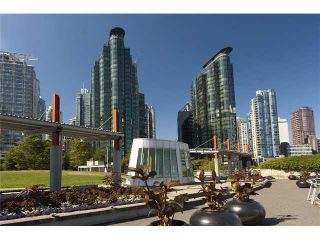 """Photo 10: 702 588 BROUGHTON Street in Vancouver: Coal Harbour Condo for sale in """"HARBOURSIDE PARK"""" (Vancouver West)  : MLS®# V978566"""