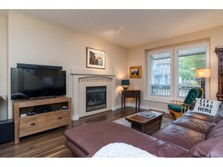 """Photo 3: 19074 69A Avenue in Surrey: Clayton House for sale in """"CLAYTON"""" (Cloverdale)  : MLS®# R2187563"""